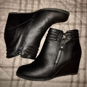 Sz.7 Rampage Boots- worn Once